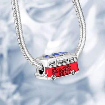 Photo Charm Strolling By The Sea With Bus-Shaped Silver