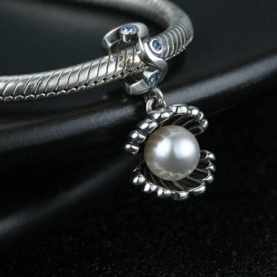 Sparkling Pearl Shell Charm Blue Silver
